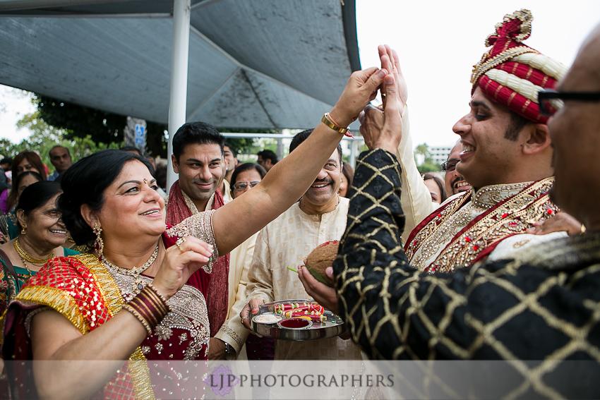 newport-beach-marriott-wedding-ceremony-photos