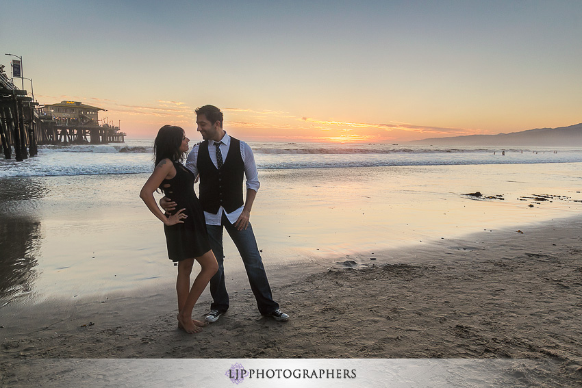 -santa-monica-engagement-photographer