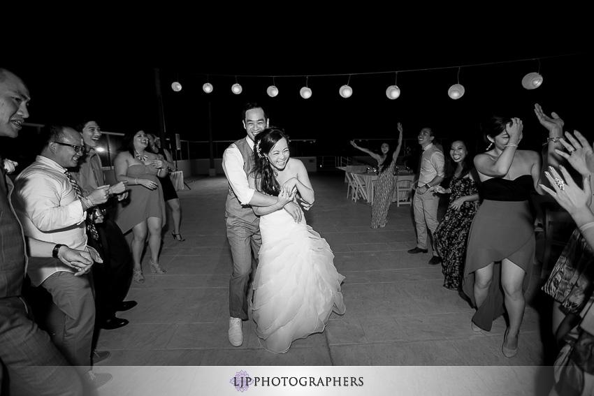 -hard-rock-cafe-cancun-wedding-photographer