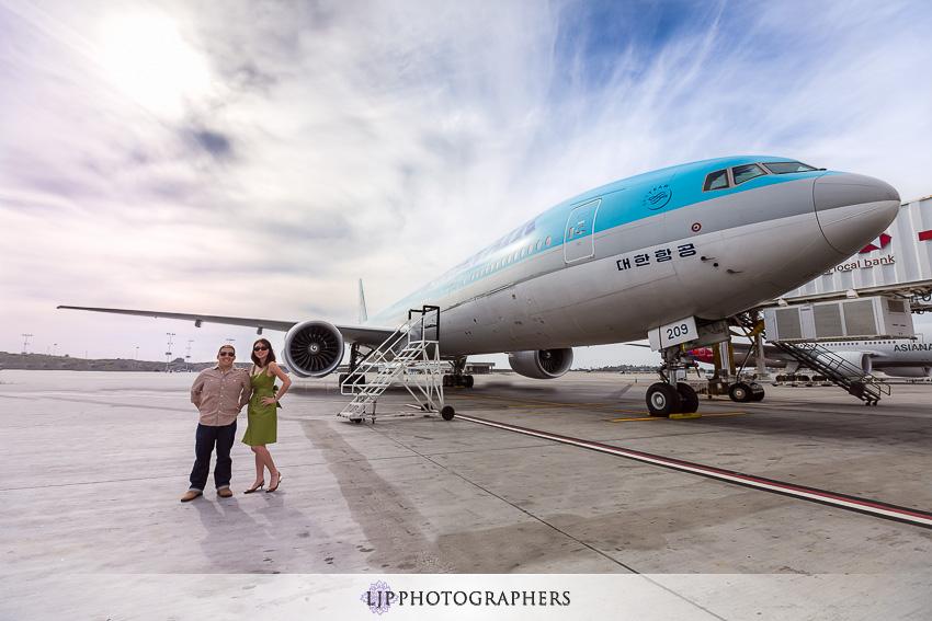 01-los-angeles-international-airport-engagement-photos