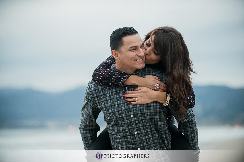 09-santa-monica-engagement-photos