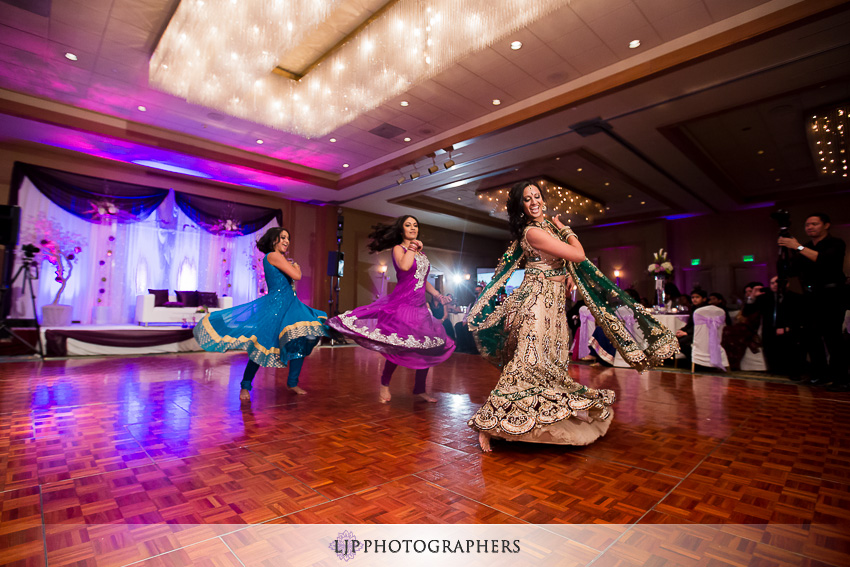 24-sheraton-cerritos-hotel-wedding-photographer
