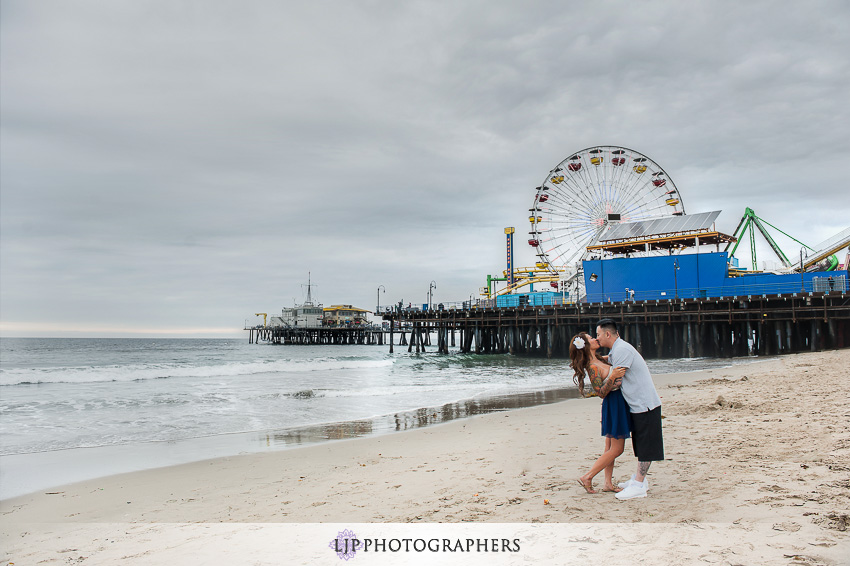 02-downtown-los-angeles-engagement-photos