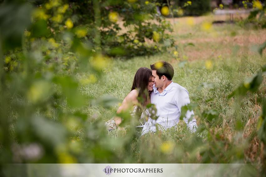 03-romantic-engagement-photos