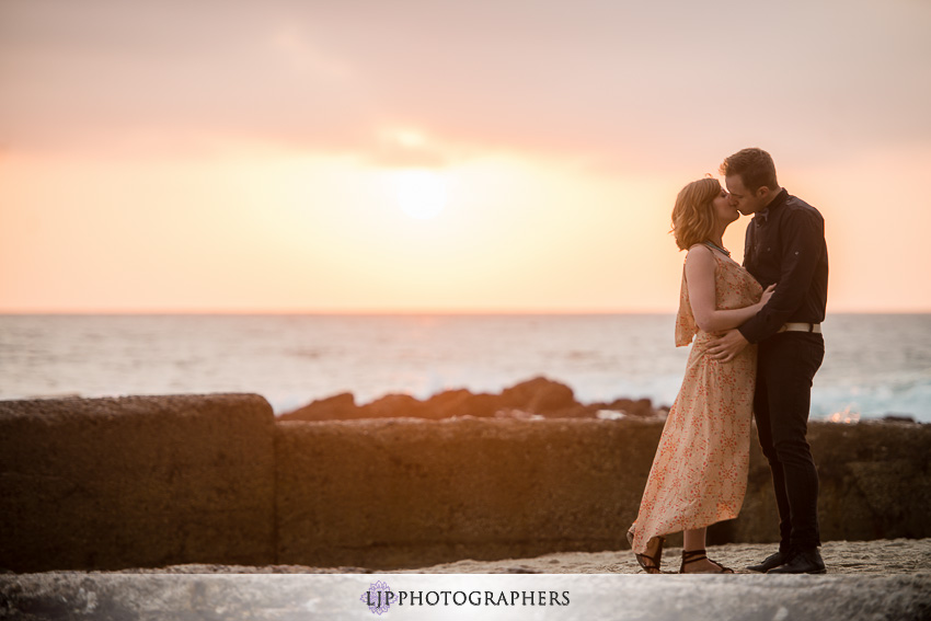 07-sunset-engagement-photos