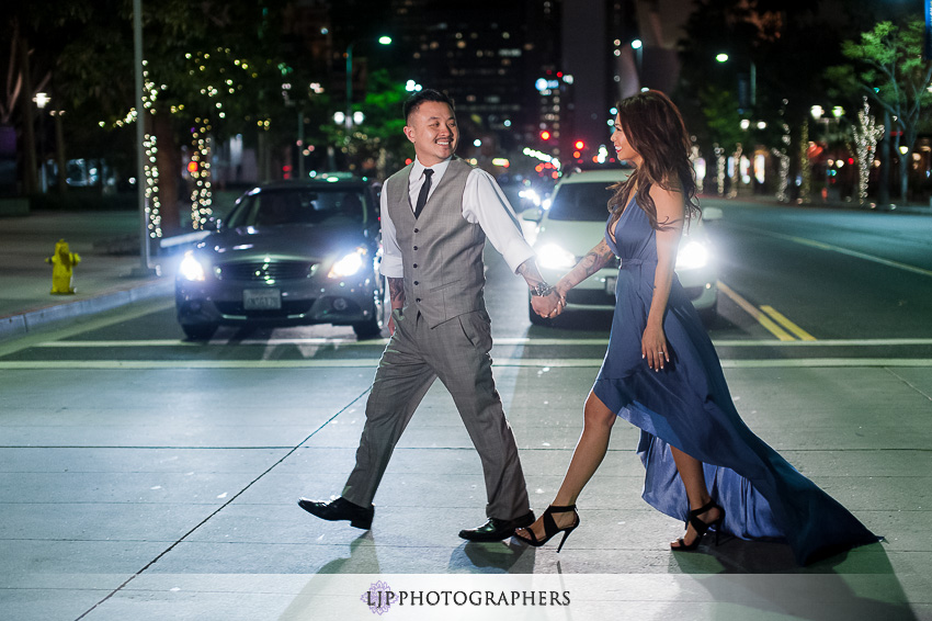09-downtown-los-angeles-engagement-photos