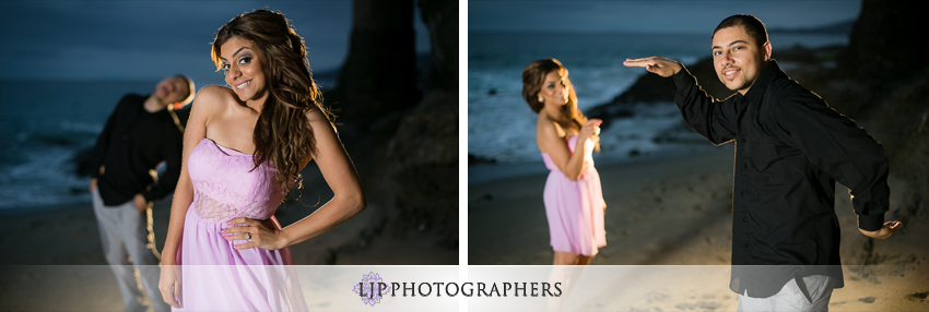 08-victoria-beach-engagement-photos
