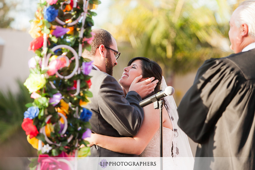 10-museum-of-latin-american-art-wedding-photographer