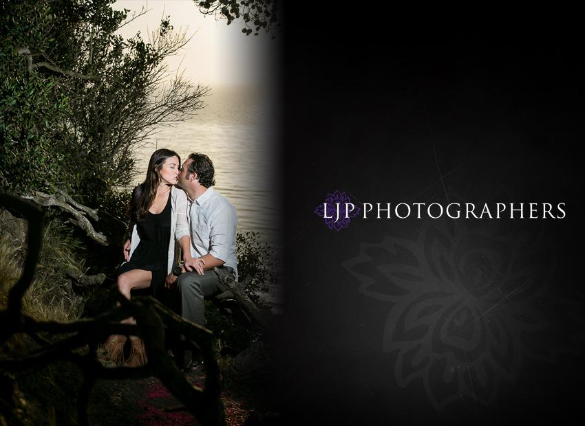 10-wayfarers-engagement-photographer
