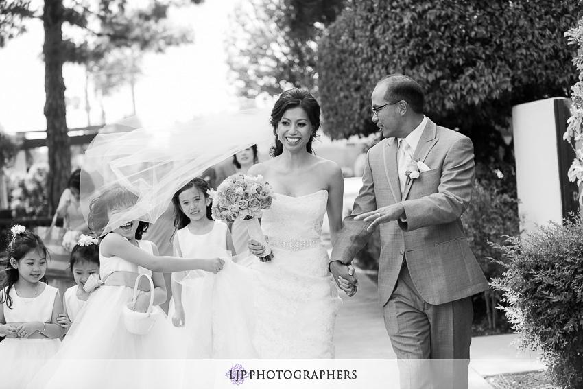 13-hilton-waterfront-huntington-beachw-wedding-photographer
