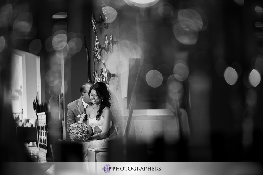 14-hilton-waterfront-huntington-beachw-wedding-photographer