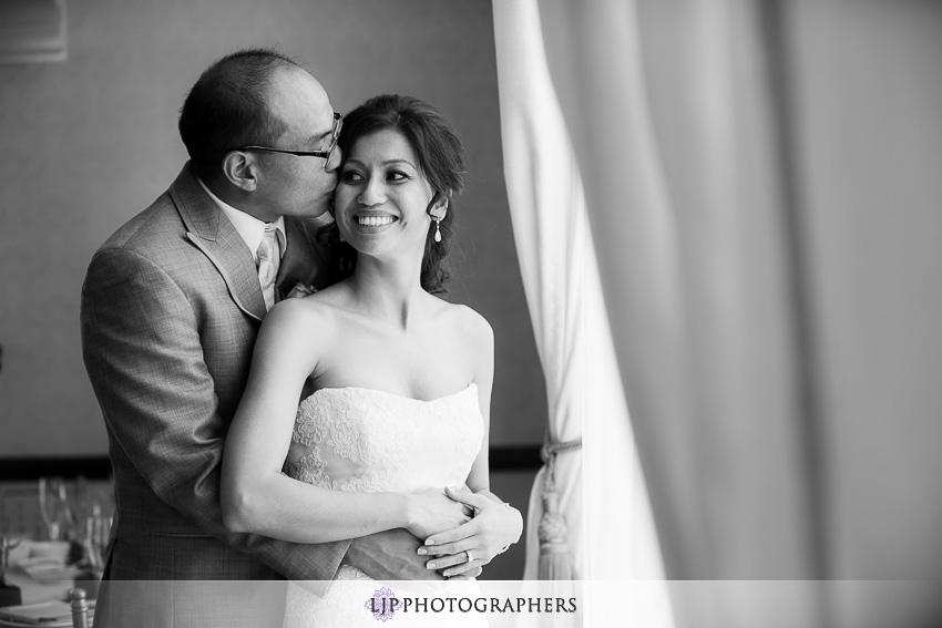 17-hilton-waterfront-huntington-beachw-wedding-photographer