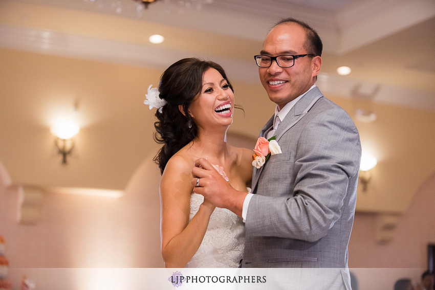 22-hilton-waterfront-huntington-beachw-wedding-photographer
