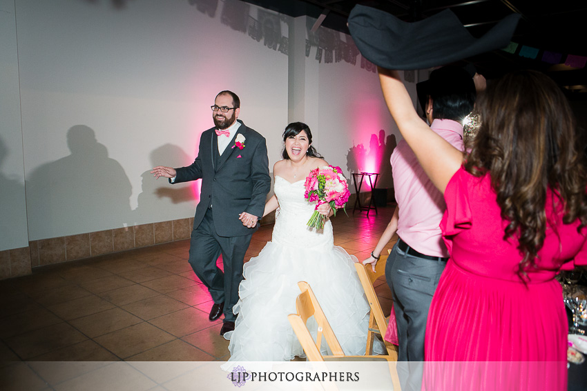 22-museum-of-latin-american-art-wedding-photographer