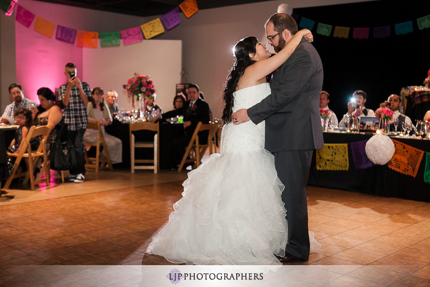 23-museum-of-latin-american-art-wedding-photographer