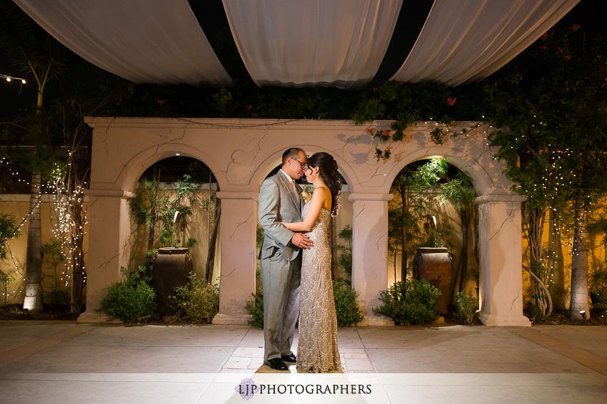 26-hilton-waterfront-huntington-beachw-wedding-photographer