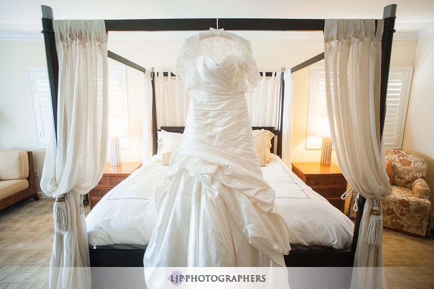 02-mission-basilica-san-juan-capistrano-wedding-photographer-wedding-dress