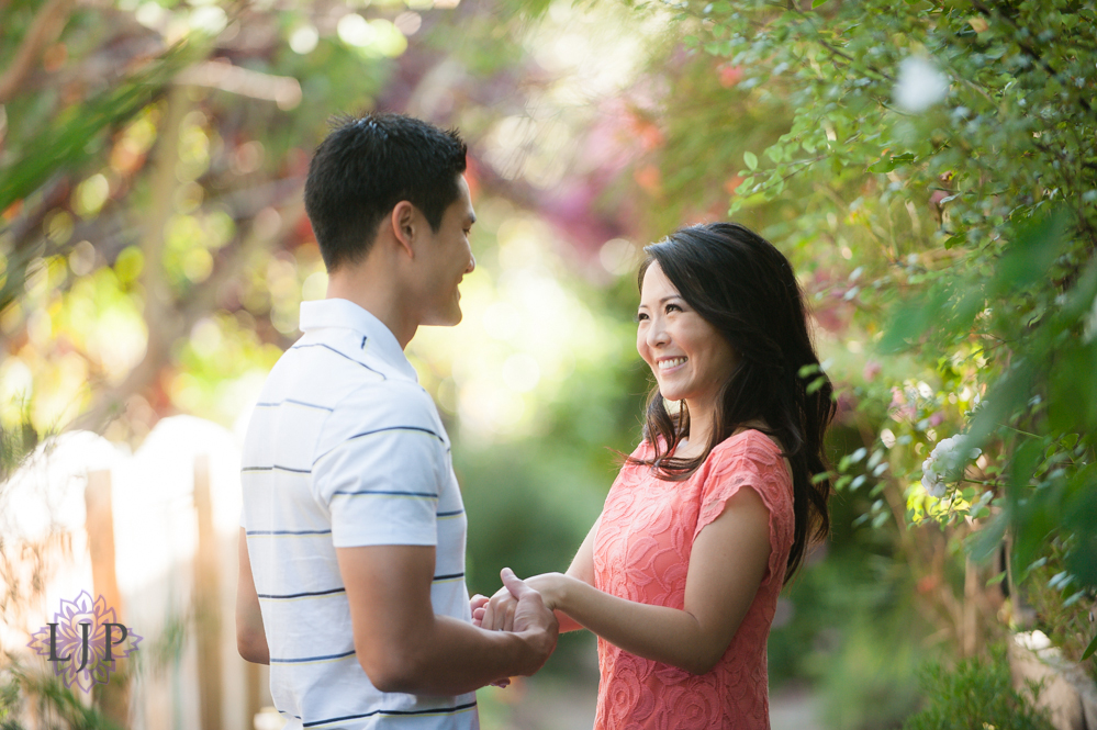 03-romantic-engagement-photos