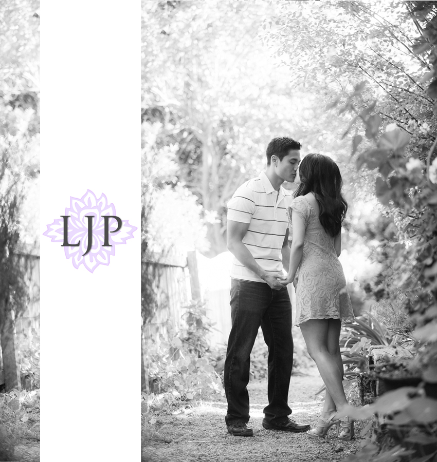 04-romantic-engagement-photos