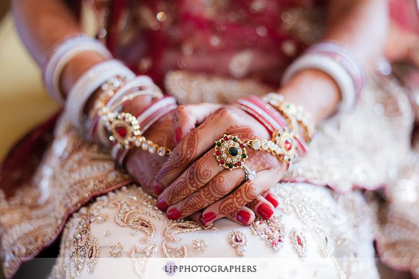 05-hyatt-huntington-beach-indian-wedding-photographer-mandap