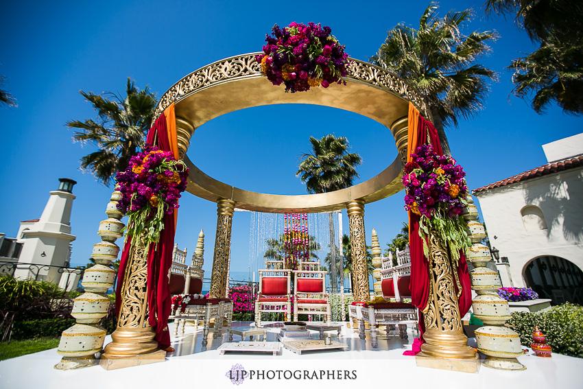 06-hyatt-huntington-beach-indian-wedding-photographer-mandap