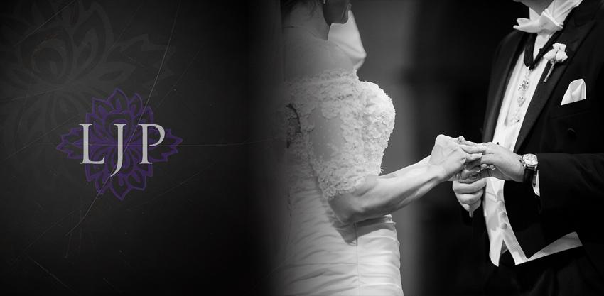 06-mission-basilica-san-juan-capistrano-wedding-photographer-wedding-dress