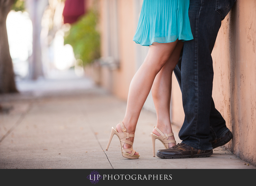 06-romantic-engagement-photos