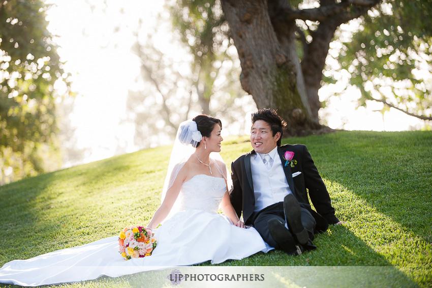 06-summit-house-fullerton-wedding-photographer-wedding-bouquet