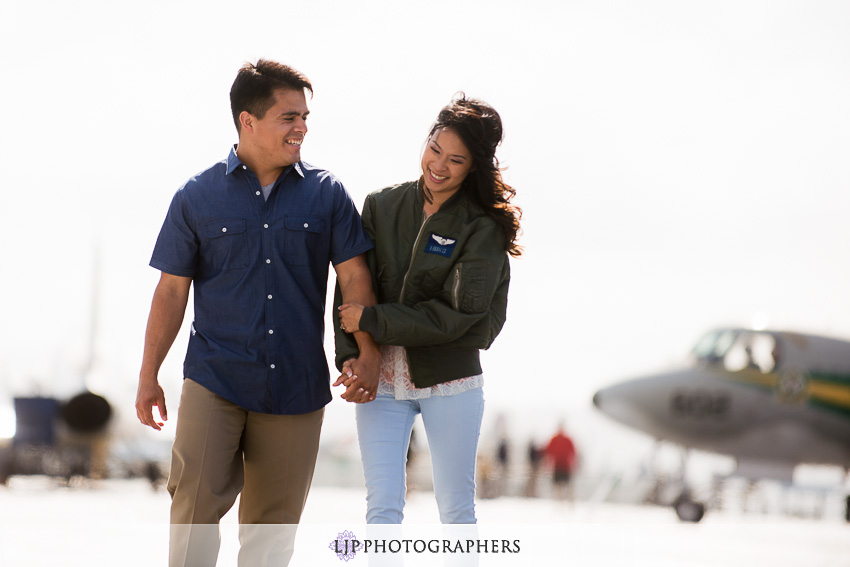 07-ND-San-Diego-Midway-Engagement-Photos