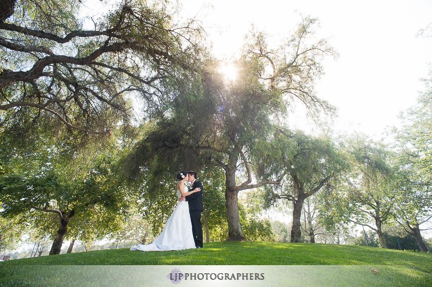 07-summit-house-fullerton-wedding-photographer-wedding-bouquet