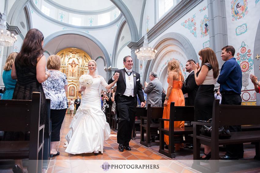 08-mission-basilica-san-juan-capistrano-wedding-photographer-wedding-dress