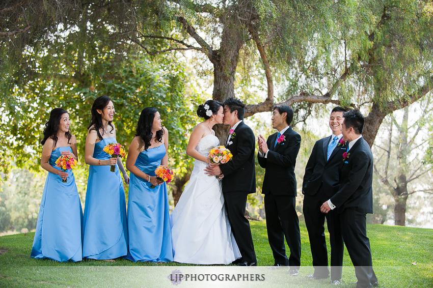 08-summit-house-fullerton-wedding-photographer-wedding-bouquet