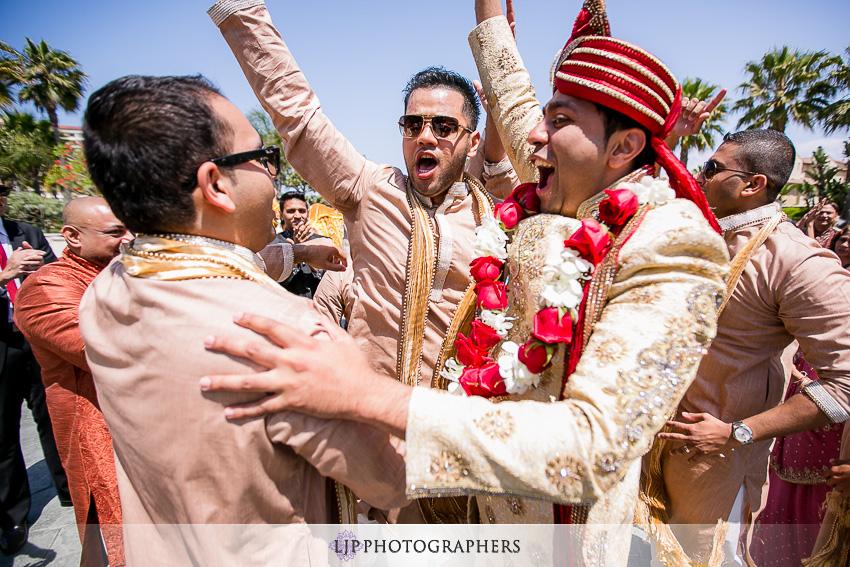 09-hyatt-huntington-beach-indian-wedding-photographer-mandap