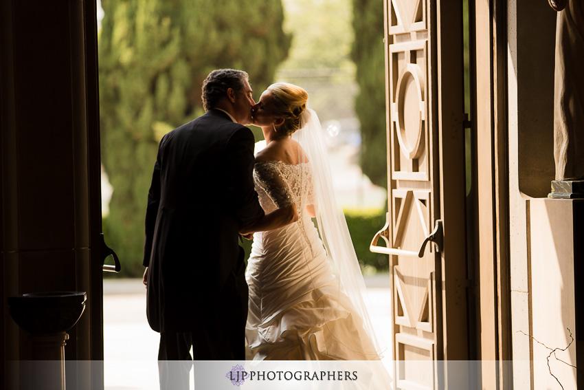 09-mission-basilica-san-juan-capistrano-wedding-photographer-wedding-dress