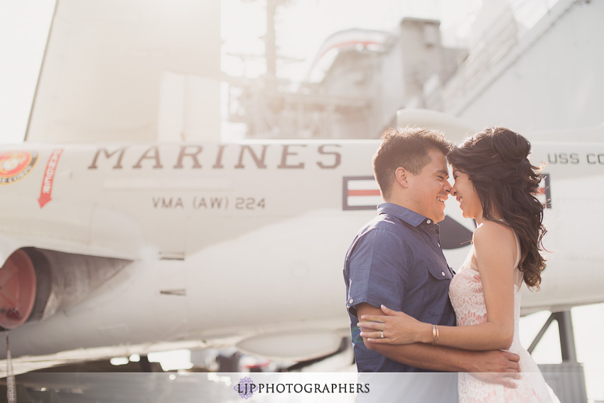 10-ND-San-Diego-Midway-Engagement-Photos