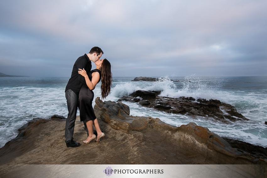 10-romantic-engagement-photos