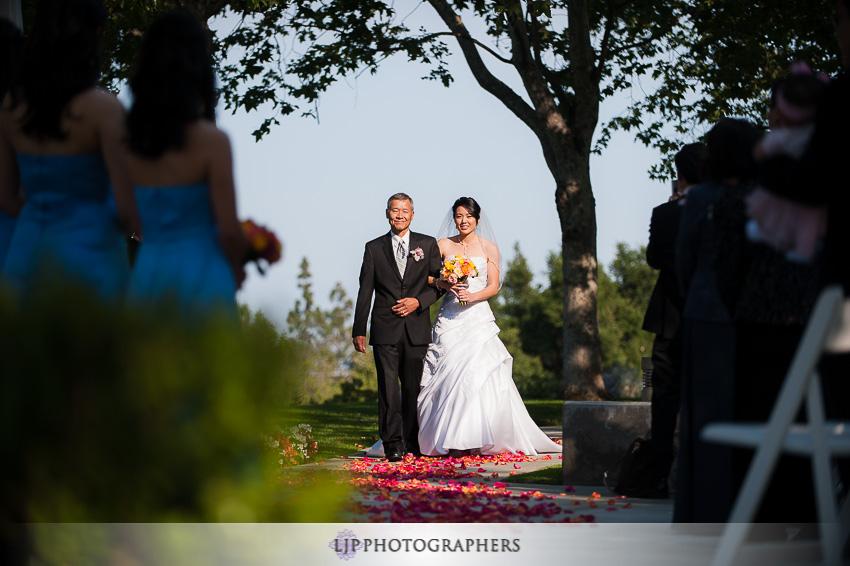 11-summit-house-fullerton-wedding-photographer-wedding-bouquet