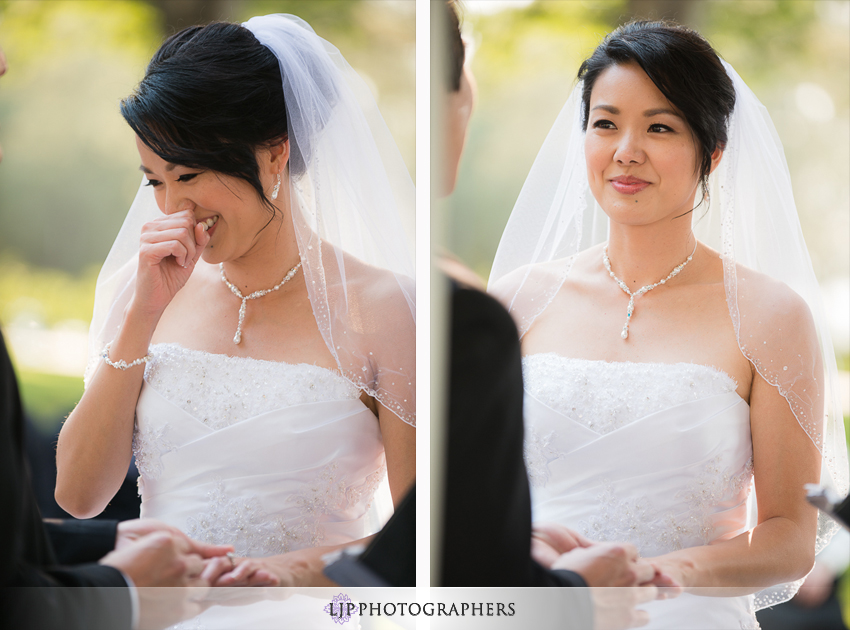12-summit-house-fullerton-wedding-photographer-wedding-bouquet
