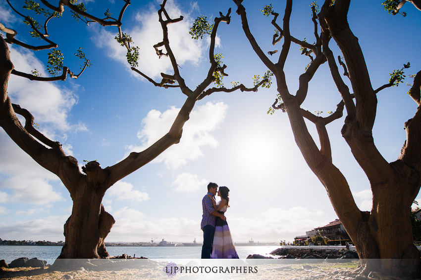 14-ND-San-Diego-Midway-Engagement-Photos