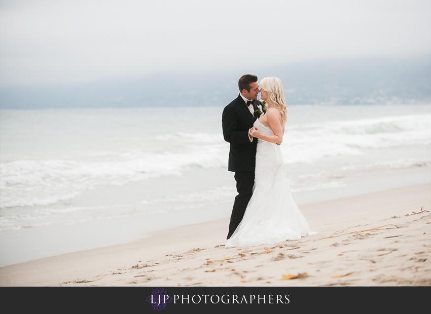 16-beach-wedding-photographer-couple-session