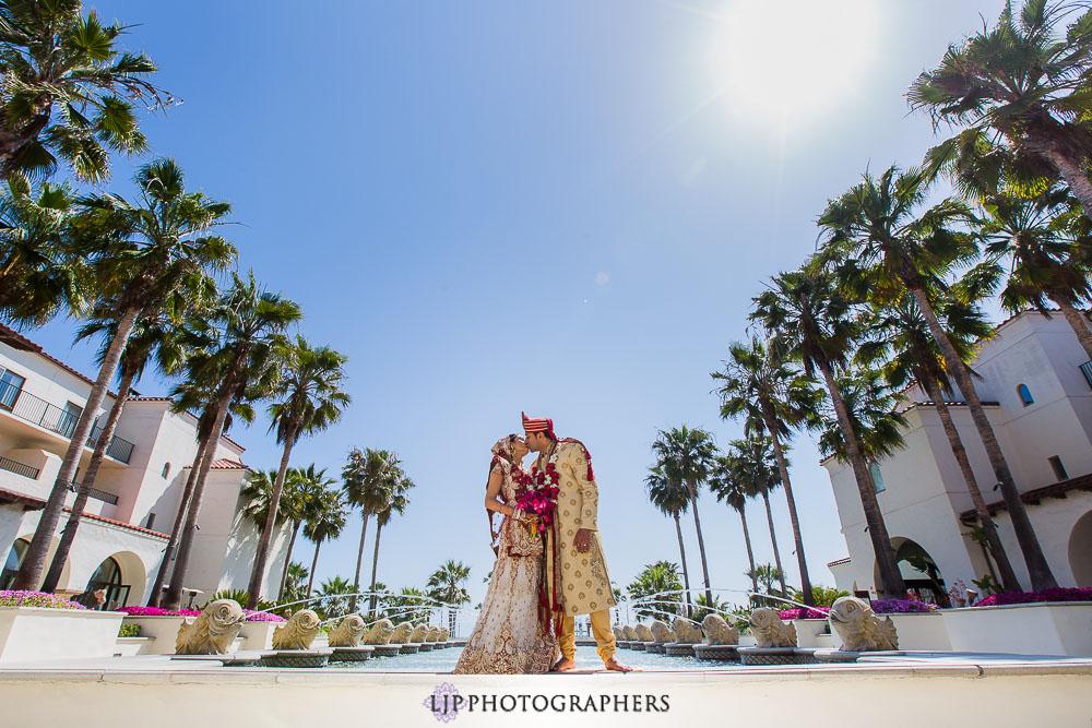 16-hyatt-huntington-beach-indian-wedding-photographer-mandap
