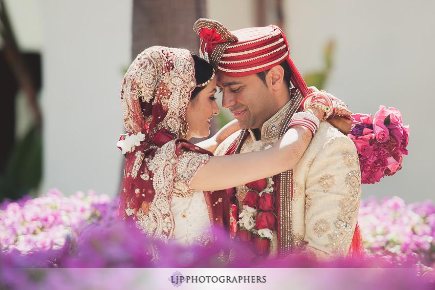 17-hyatt-huntington-beach-indian-wedding-photographer-mandap