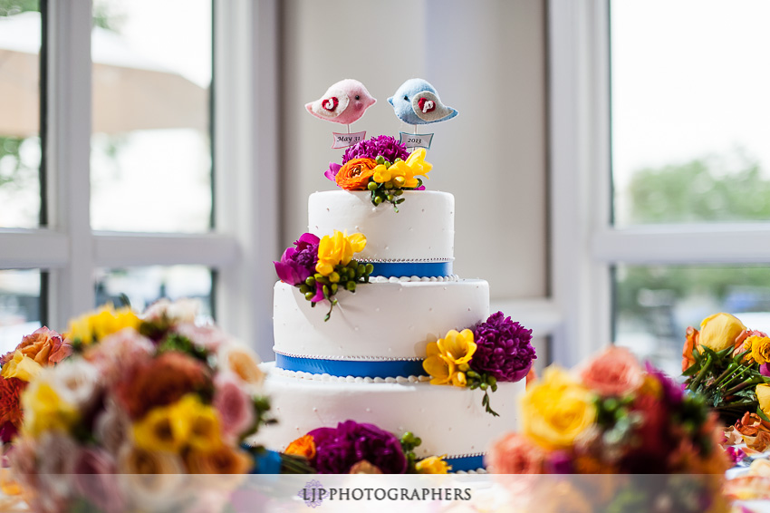 17-summit-house-fullerton-wedding-photographer-wedding-bouquet