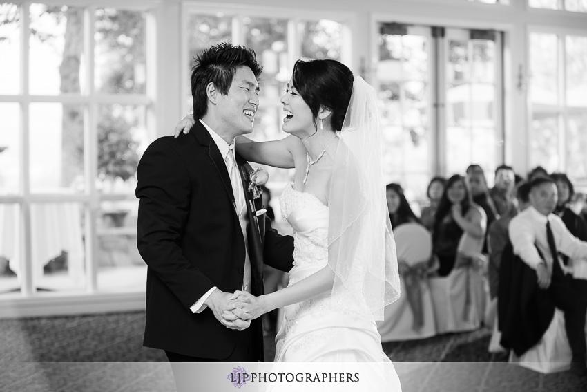 18-summit-house-fullerton-wedding-photographer-wedding-bouquet