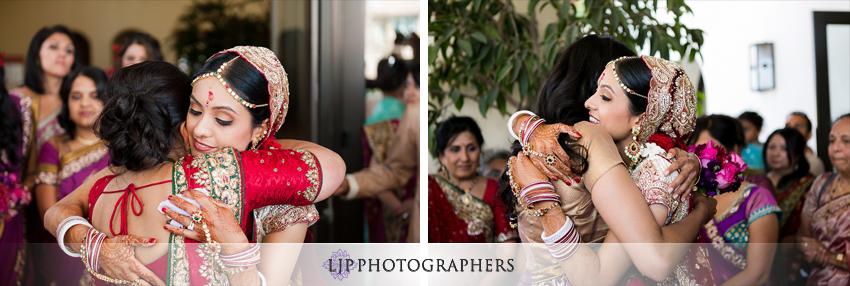 19-hyatt-huntington-beach-indian-wedding-photographer-mandap