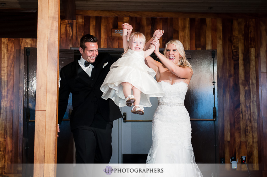 21-beach-wedding-photographer-wedding-decor