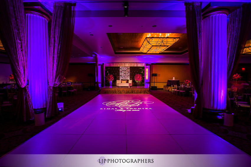22-hyatt-huntington-beach-indian-wedding-photographer-mandap