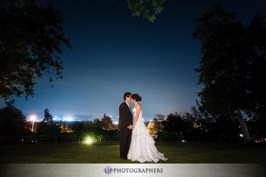 24-summit-house-fullerton-wedding-photographer-wedding-bouquet