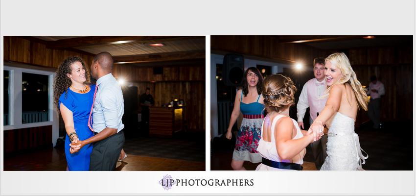 28-beach-wedding-photographer-wedding-decor