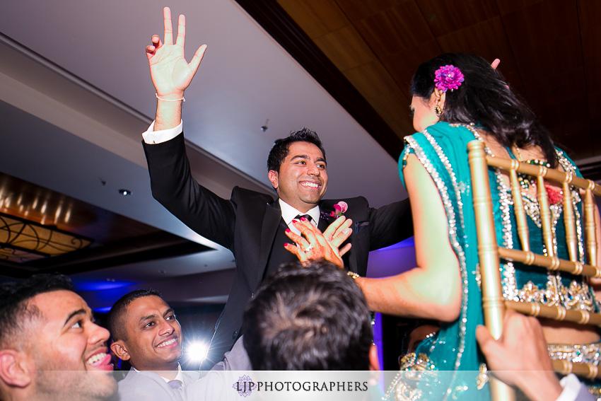 28-hyatt-huntington-beach-indian-wedding-photographer-mandap